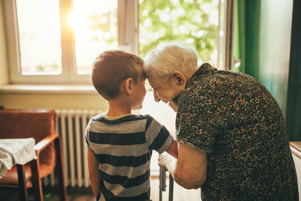 Tips to Help your Grandchildren Understand Dementia